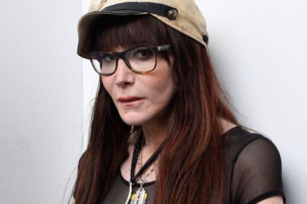Laura Albert se hacía pasar por en persona se hacía pasar por Speedie, su asistente personal